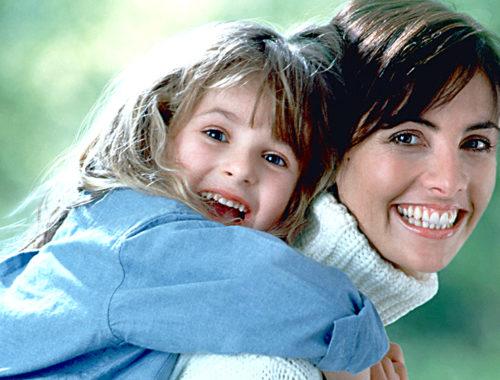 Մայրիկը բալիկի հետ